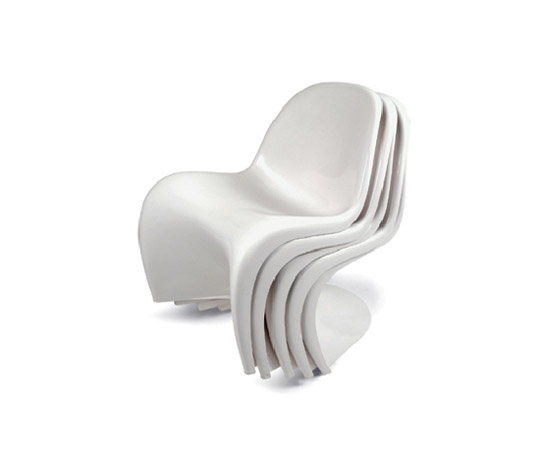 Set of five white S Stacking Chairs