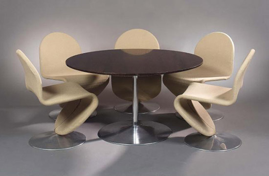 'System 1-2-3' five chairs and table