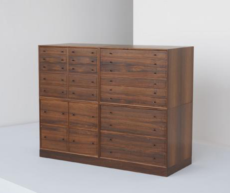Four-section chest of drawers