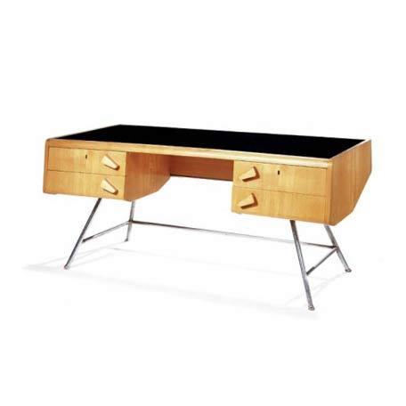 Schreibtisch von Phillips