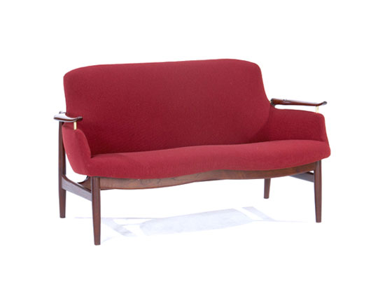 NV-53 Settee von Rago Arts and Auction Center