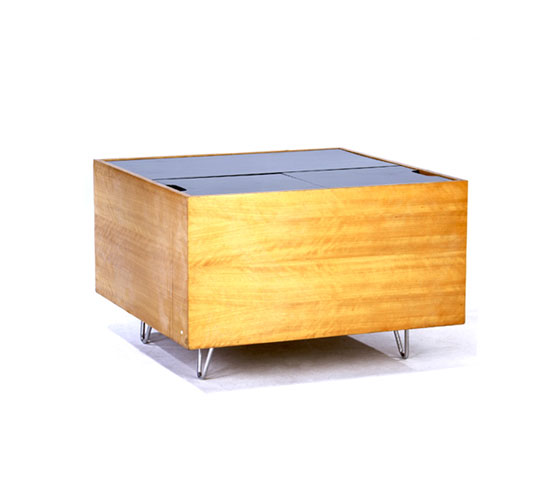 Cube storage coffee table