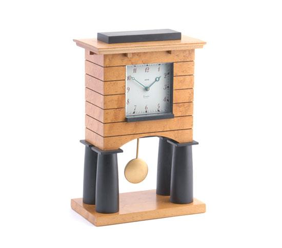 Mantel clock de Rago Arts and Auction Center