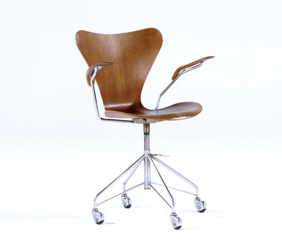 Rago Arts and Auction Center-Swivel chair on casters