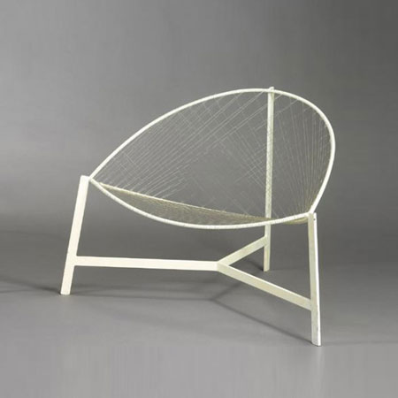 Three-legged lounge chair