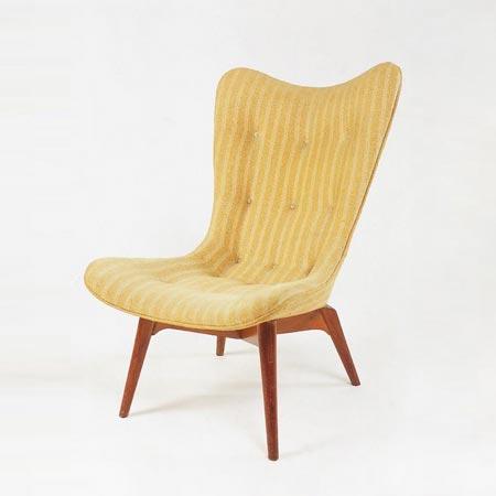 R152 contour chair
