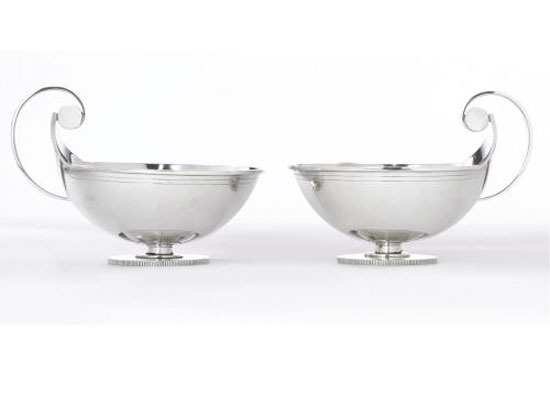 SAUCE BOATS, NO. 831, PAIR