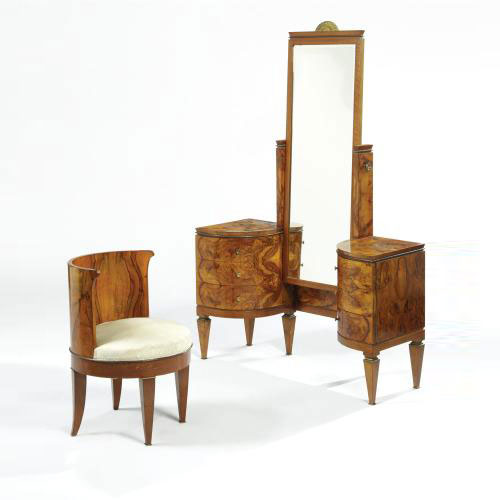 Sotheby´s-VANITY AND DRESSING CHAIR