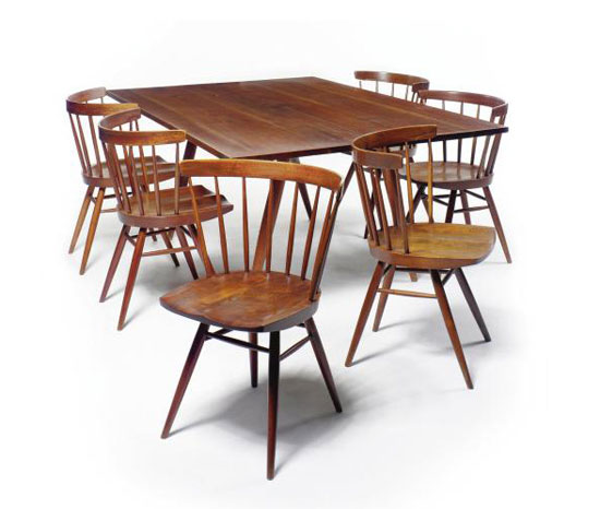 DINING TABLE AND SIX CHAIRS by Sotheby´s