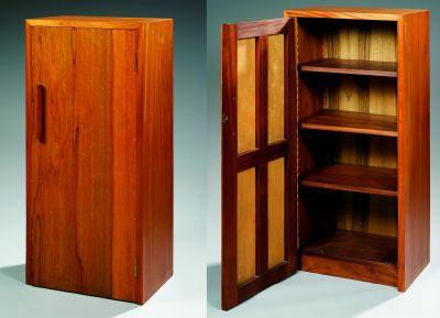 Paire de meubles formant bibliothèque