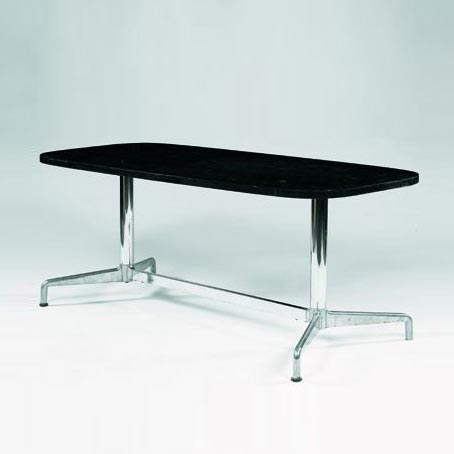 Table by Tajan