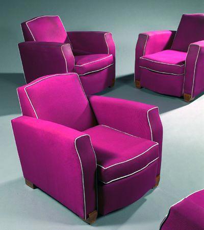 Suite de quatre fauteuils club