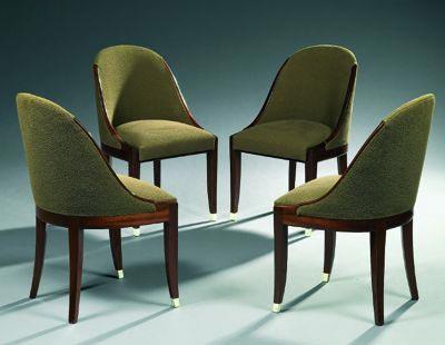 Suite de quatre chaises de Tajan