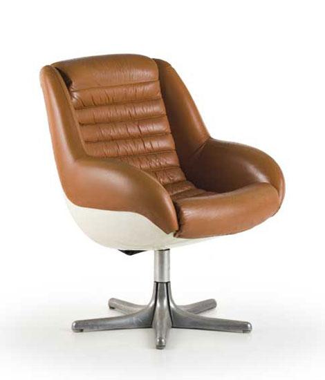 """Pair of """"Epoca"""" armchairs"""