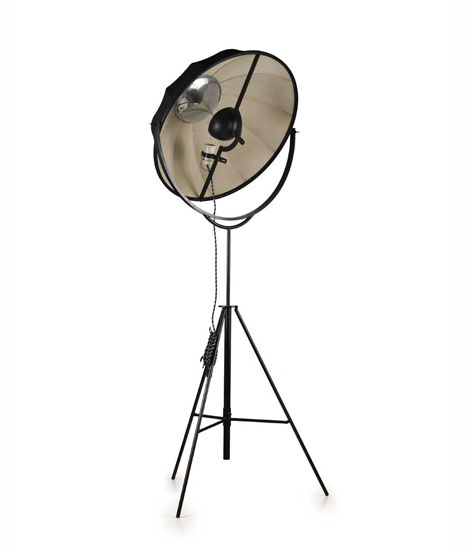 "Laquered metal floor lamp ""Fortuny"""