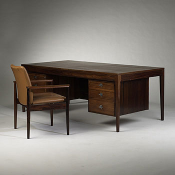 Diplomat desk/chair
