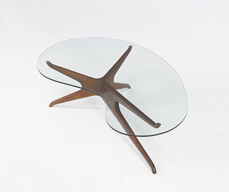 Tri-symmetric coffee table