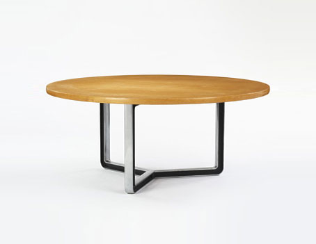Dining table, model T334-C di Wright