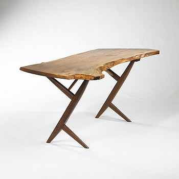 Cross-legged table