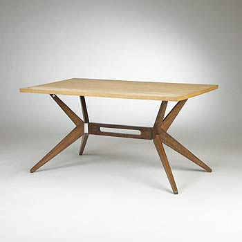 Dining table, model 1000 by Wright