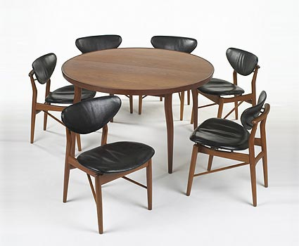 Dining table / six NV-53 chairs