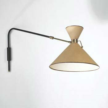 Adjustable extending arm lamp