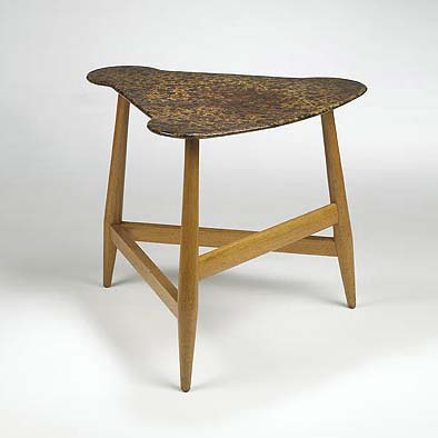 Triangular side table de Wright