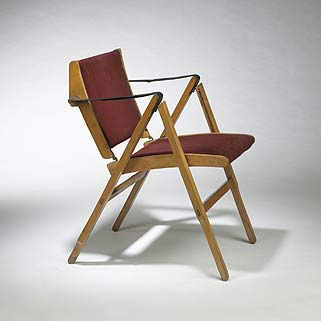 Bridge folding chair