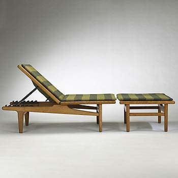 Chaise lounge / ottoman