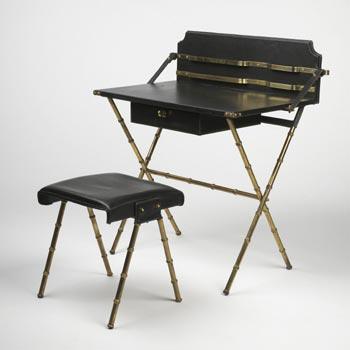 Desk/stool