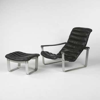 Lounge chair/ottoman