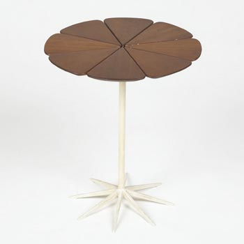 Petal table von Wright