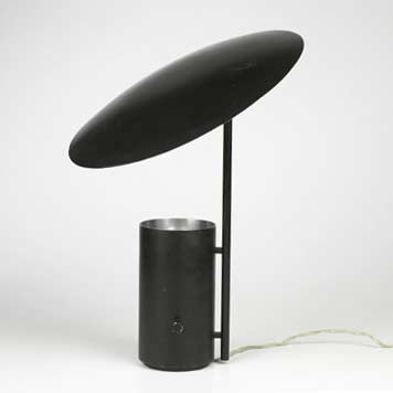Half-Nelson lamp