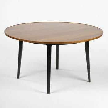 Dining table (model 5462) by Wright