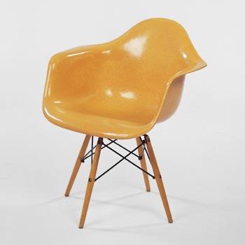Dowel leg chair