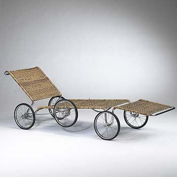 Wheeled chaise lounge