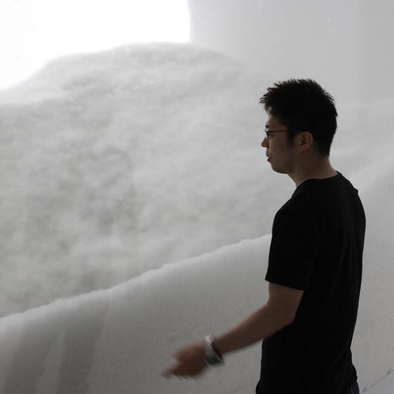 The Bearable Lightness of Being: Architonic meets Tokujin Yoshioka at imm cologne | Novità