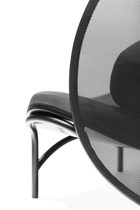 The Air Apparent: TON's new Chips lounge chair | Novedades