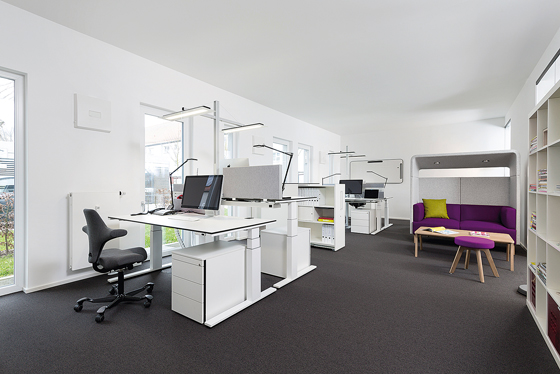 Office furniture with a system | Design