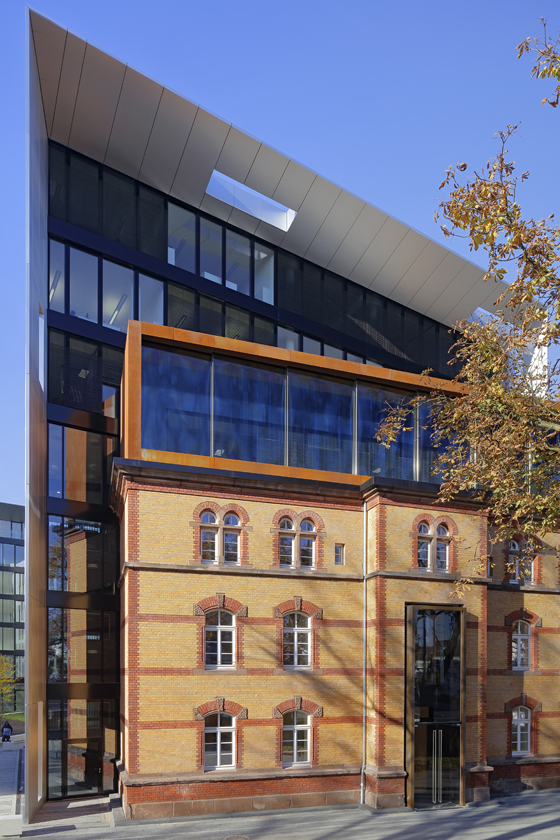 Skinning Up: Old Buildings, New Facades – Part I | News