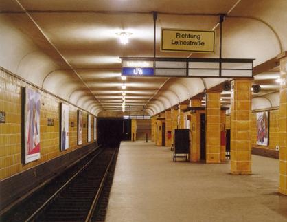 Licht Und Farbe Im Berliner Untergrund