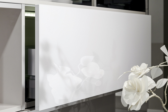 Gleaming Surfaces and Premium Edges   News