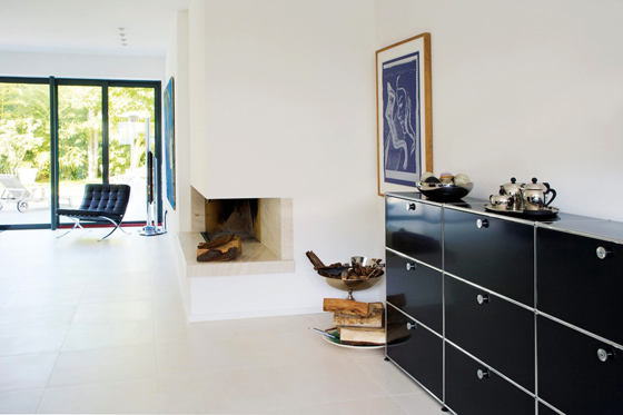 usm die welt ist eine stahlkugel. Black Bedroom Furniture Sets. Home Design Ideas