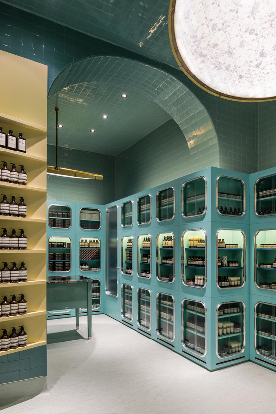 Poetic shopping aesop designs the retail experience for Store design milano