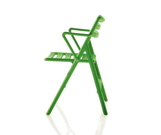 Plastic - the mouldable material of modern chairs | Diseño