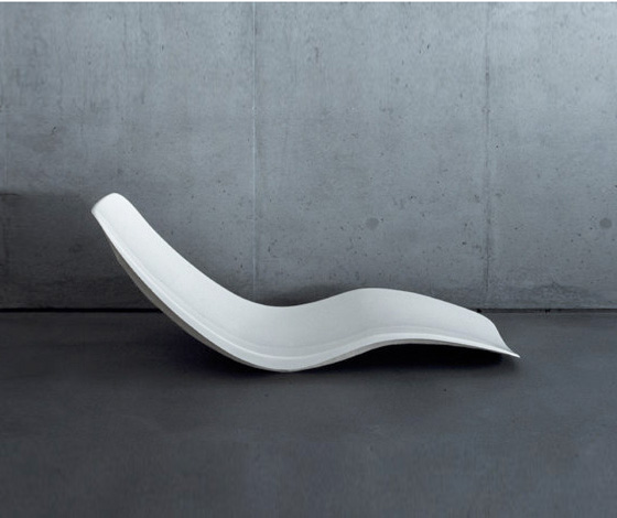 Plastic - the mouldable material of modern chairs | Design