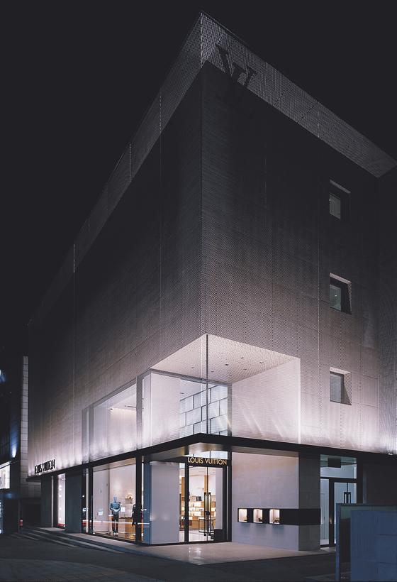 Custom luxury retail experiences | Architecture