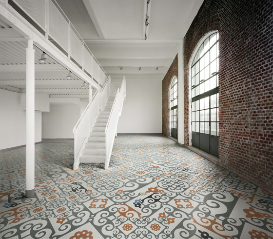 Innovation technologique et <b>esprit créatif</b> pour la nouvelle collection <b>FRAME</b> développée par Ceramiche Refin avec la collaboration d'un studio de conception graphique de renom, Studio FM Milano | Industry News