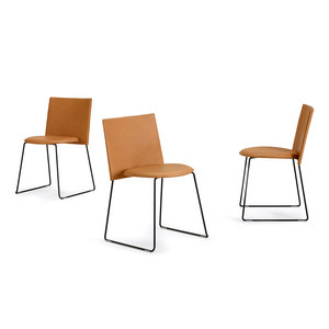 CHAIRS / STOOLS