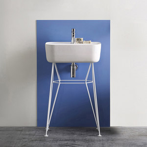 CONSOLES & WASHSTANDS